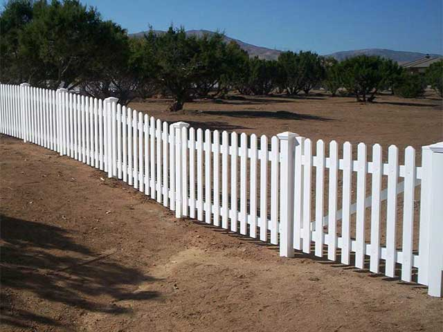 level top vinyl picket fence