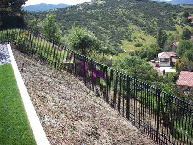 Photo 03 - Aluminum Fence