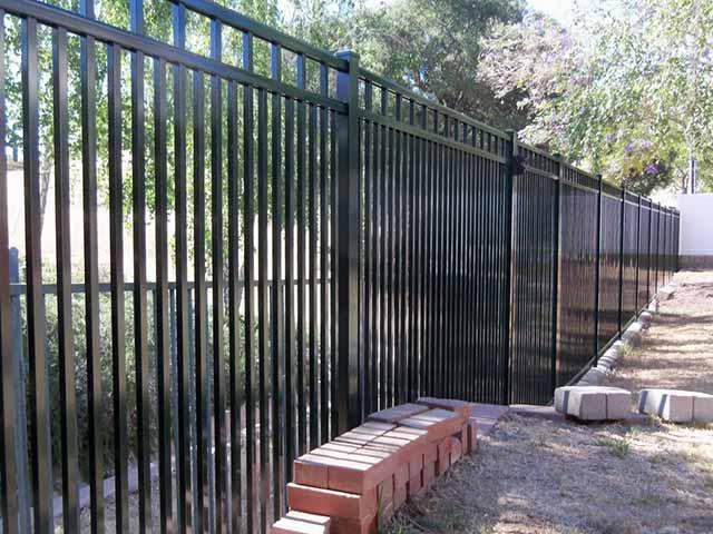 Photo 04 - Aluminum Fence