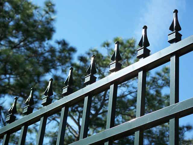 Photo 05 - Aluminum Fence